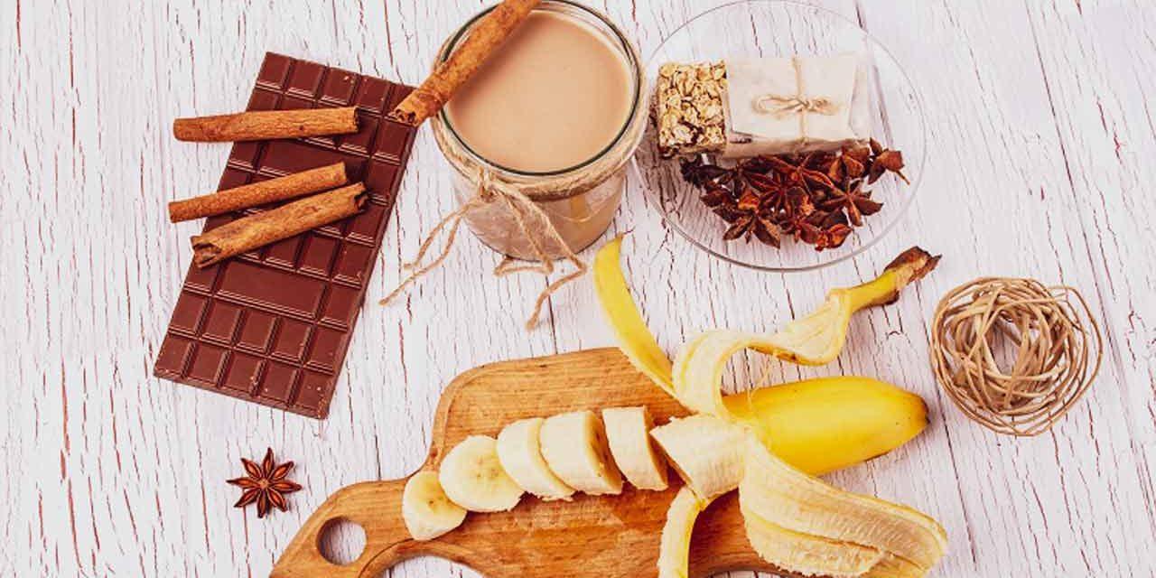Молочно-банановый коктейль с шоколадом