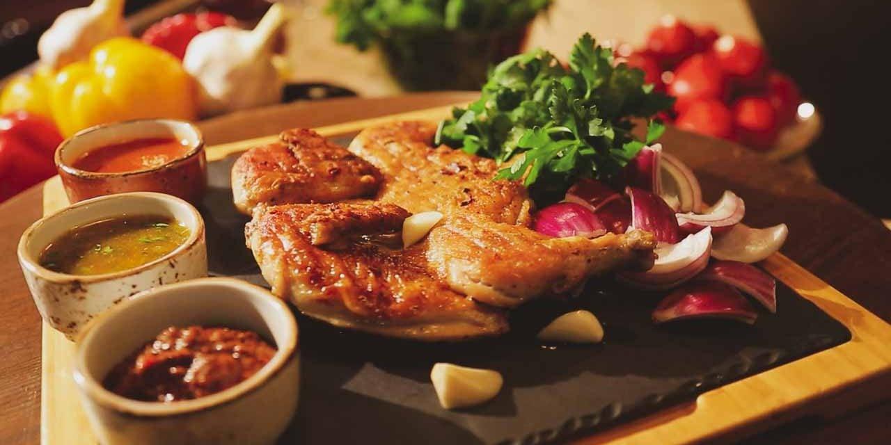Цыпленок табака с соусом ниорцкали